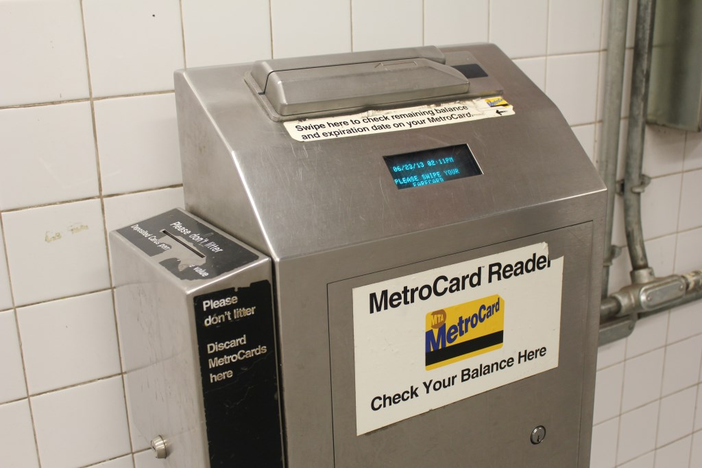 how to find out balance on metrocard